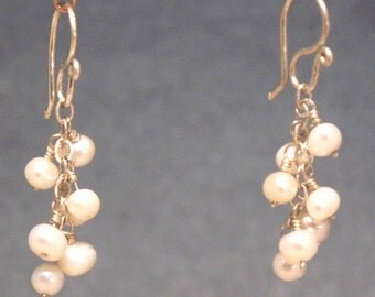 Ivory pearl chain earrings Cosmopolitan 97