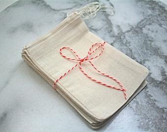 Muslin favor bags, 4x6. Set of 25. Unprinted natural cotton drawstring bags. DIY wedding favor bags.