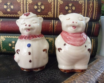 Shawnee Smiley and Winnie Pig Salt and Pepper Shakers