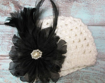 Baby girl crochet hat with flower and feather, beanie, photo prop, white, black, blue, newborn