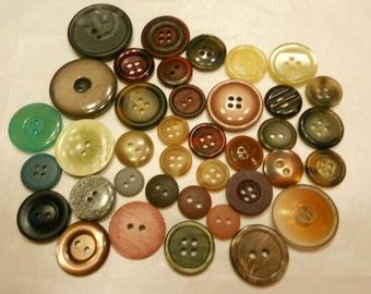38 piece button mix, 10-28 mm (31)