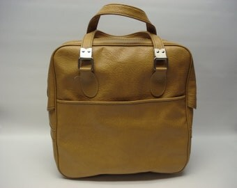 Perfect weekend bag in golden yellow