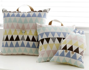 "Cotton Linen Pastel Triangles Geometric By the Yard (59 x 36"") 37790 - 294"