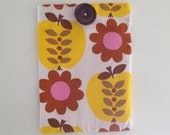 Kindle 4/Touch Case/Cover/Sleeve Handmade with Vintage Fabric 'Pippin' by Sundour 1970s apple and flower