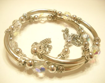 Vintage AUSTRIAN CRYSTAL STRETCH Bracelet--Wear on arm or wrist (2554)