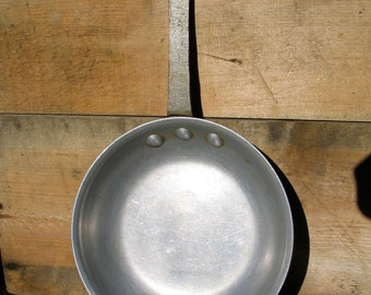 """Vintage Commercial Grade Frying Pan Eagleware Frying Pan 7 1/2"""" diameter Vintage, Retro, Frying Pan Farm House Kitchen"""