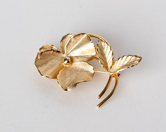 Vintage Giovanni Pansy Flower Signed Brooch