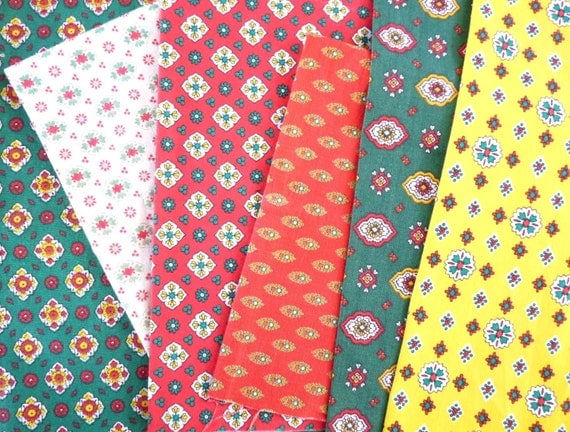 French PROVENCAL FABRIC BUNDLE, Patchwork pieces, Scrap blocks in ...