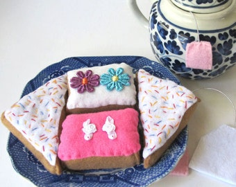 Play Food, Felt Desserts, Felt Sweets, Cupcakes