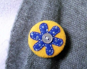 Felt Pin-Back Badge-Brooch with Blue Flower