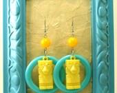 E47 - Tiki Time, Blue and Yellow