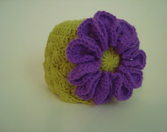 Crochet Hat Beanie for Baby Girl -  Green, with Purple flower - Photo Prop. - Shell Stitch -