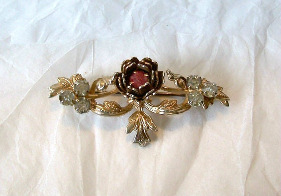 Dainty Victorian style Brooch Pink and Clear Rhinestones