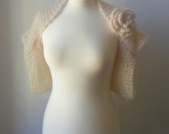 "Bolero  Shrug  ""  Ozean  ""   in Cream"