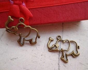 SALE--20 PCS 30x21mm Antique Bronze Lovely Elephant Charm Pendant