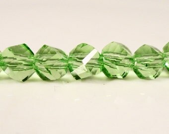 Helix Crystal Beads 6mm Peridot Green Faceted Chinese Crystal Beads on a 7 Inch Strand with 33 Beads