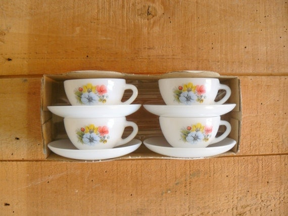 Vintage 1960s deadstock french opaline coffee cups saucer set. white floral print milk glass cups