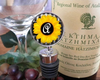 Personalized Wine Stopper - Sunflower Design with Initial - Bridal Party - Bridesmaid - Birthday Gift - Black Friday Sale