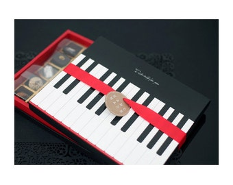 Valentine Day Piano 30 Hole Chocolate Box(1 box)