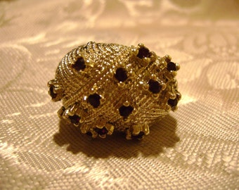 Vintage Three Dimensional Goldtone Ring with Fourteen Rhinestones Adjustable in Size