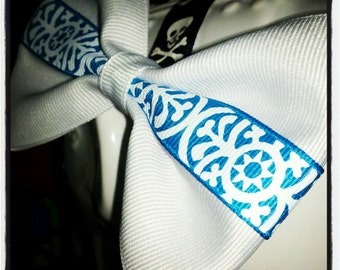 White w/Sky Blue Moroccan Print Center Stripe Hair Bow