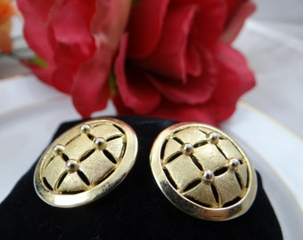 Vintage Crown Trifari Gold Tone Quilted Round Button Earrings - Simple and Elegant