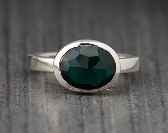 Green rose cut cubic zirconia - sterling silver - Stacking Ring