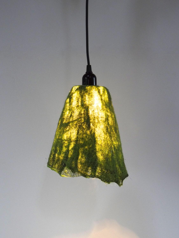 Handgevilte lampenkap hanglamp smaragd groen door atelierflorine