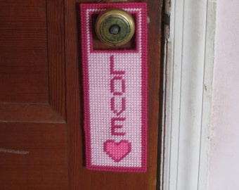 LOVE Door Hanger in Plastic Canvas & Canvas door hanger | Etsy pezcame.com