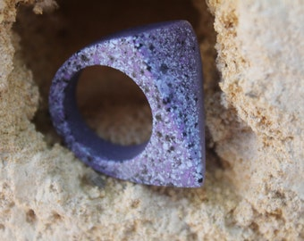 Pluto's Secret - Small Purple Triangle Resin Ring