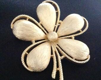 Vintage Trifari Flower Brooch. (Signed)