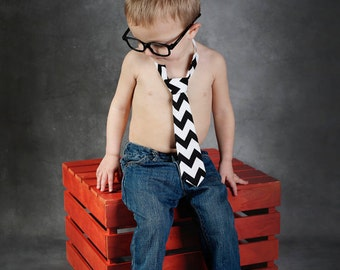 Black and White Chevron Adjustable Neck Tie or Bow-Tie: 0-18 Months, 2T-4T, 5T/6T, 7/8