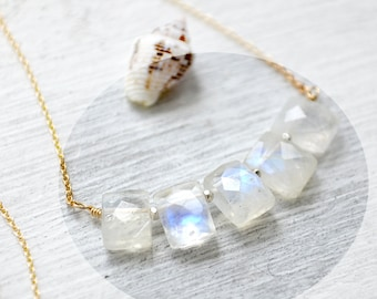 rainbow moonstones gold necklace /// june birthstone /// delicate everyday jewelry