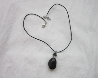 Pretty Vintage Black Pendant & Leather Tether Necklace Goth