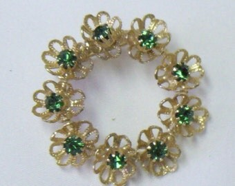 Vintage Green Rhinestone Gold Filigree Flower Circle Brooch Pin