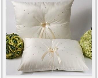 A set of Wedding Kneeling Pillow :  Pearls