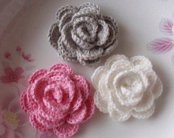 3 Crochet  Flowers Roses In 2 inches YH -138-05