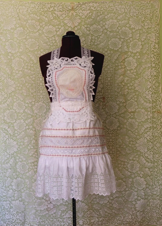 White lace apron wedding -  Zoom