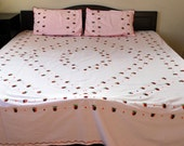 Baby pink fully hand embroidered pure cotton flat bed sheet with 2 pillow covers