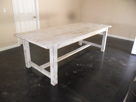 Shabby Chic Breakfast Table: Reclaimed Wood Dining Table. Shabby Chic Style From Reclaimed