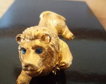 Vintage Signed JJ Solid Goldtone Lion with Blue Eyes Brooch/Pin Rare