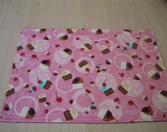 "Cupcake and Sprinkles Fabric Placemat 13"" x 17-3/4"" in 100% Cotton - Handmade New."