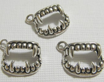 Antique Silver Vampire Teeth Charms 15 QTY