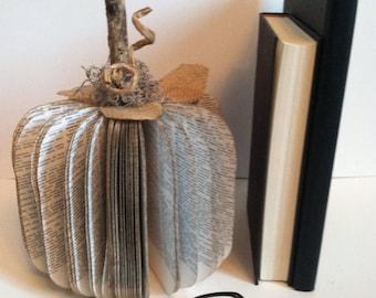 LARGE  Book Pumpkin, Vintage Book Pumpkin