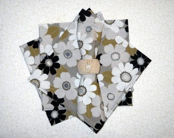 set of 4 Black and White Napkins
