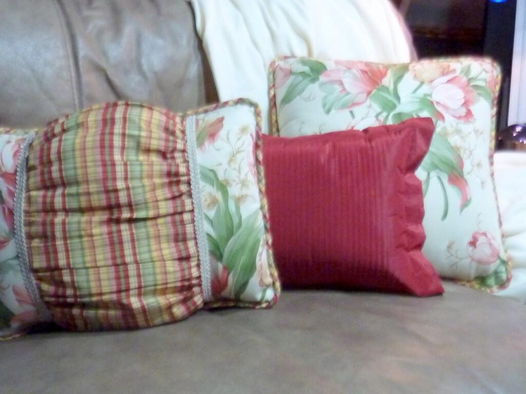 Designer Pillows Waverly fabric Pillows Tulips on cream