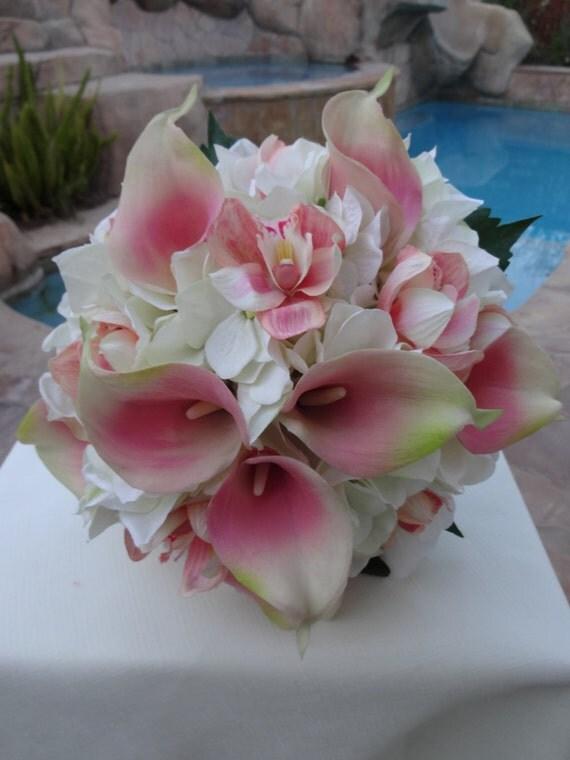 brautstrauss wei e hortensien korallen orchideen und. Black Bedroom Furniture Sets. Home Design Ideas