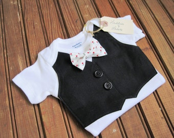 Black Vest Onesie with White Bow Tie, Vest Onesie, Bow Tie Onesie, Bow Tie Onesie, Baby Boy Wedding, Baby Vest, Red Baby Bow Tie