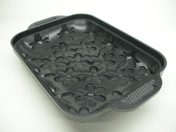 Nordic Ware Daisy Cake Pan