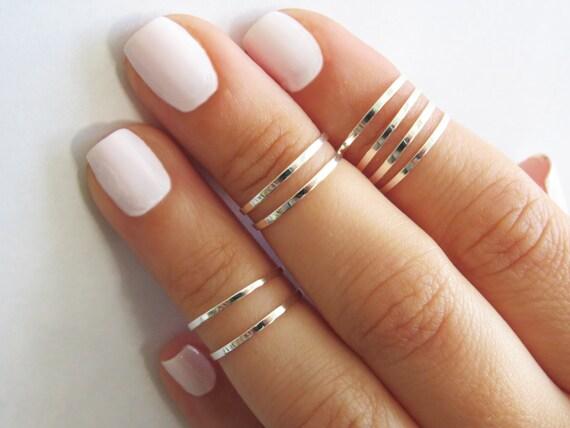 Wearing Knuckle Rings